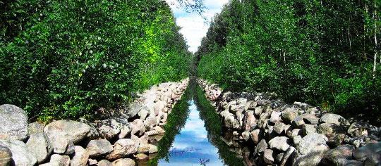 Уникальная озерно-канальная система Соловецкого острова